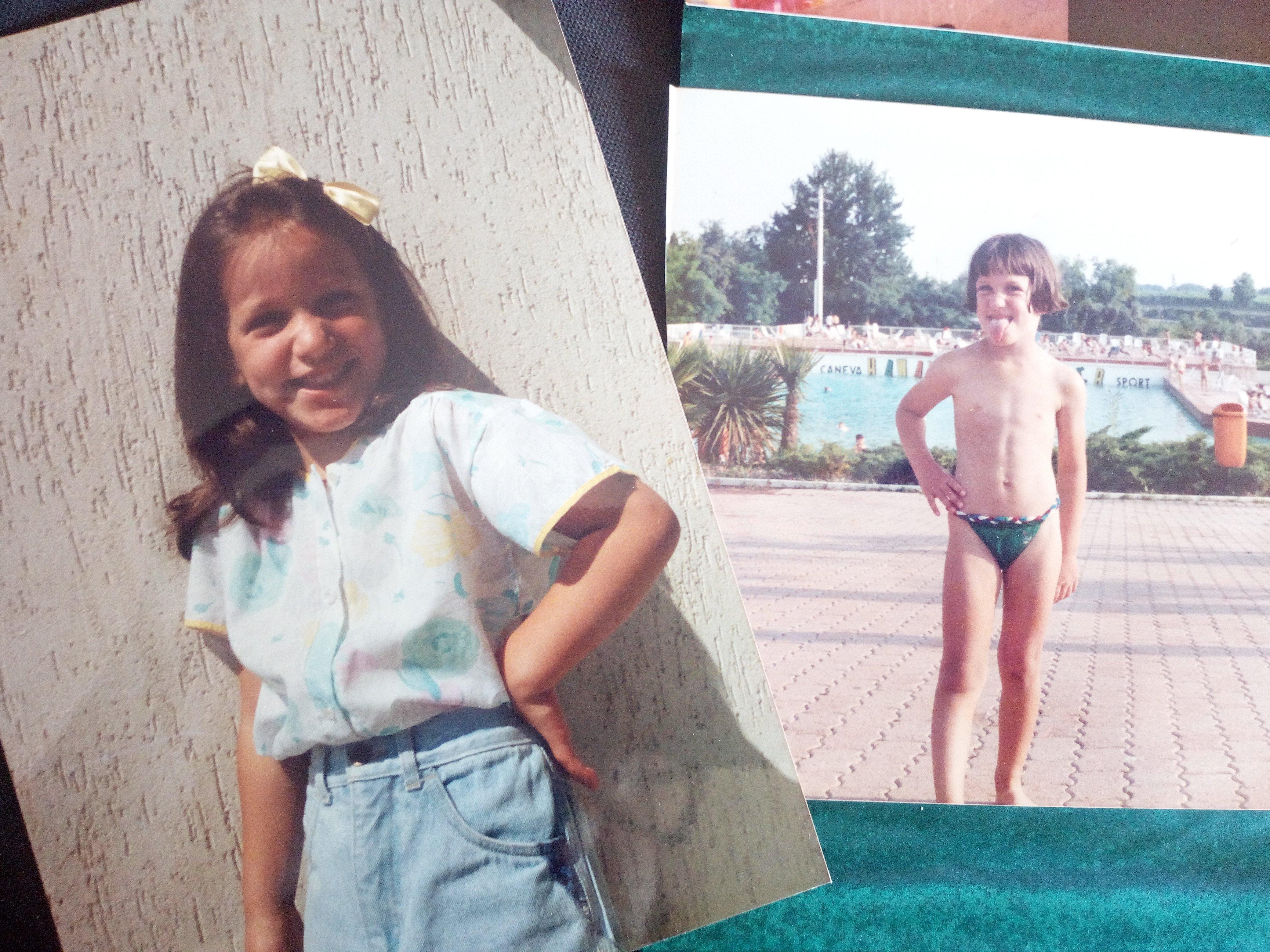 Lucia da bambina, in posa per le foto scattate da suo padre