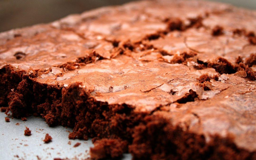 Torta aproteica al cioccolato e arancia