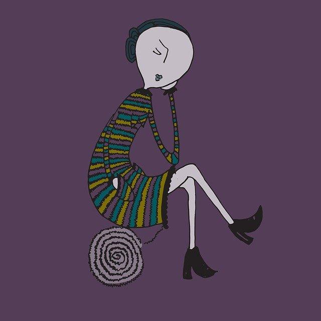 Una figura femminile riflette con atteggiamento serio